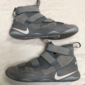 Nike Shoes - Men's Lebron Soldier 11